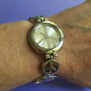 Accessories - Watch Peace Sign Silvertone